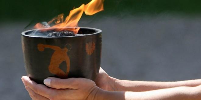 Παραδόθηκε στο Πεκίνο η Ολυμπιακή Φλόγα που άναψε χθες στην Ολυμπία!